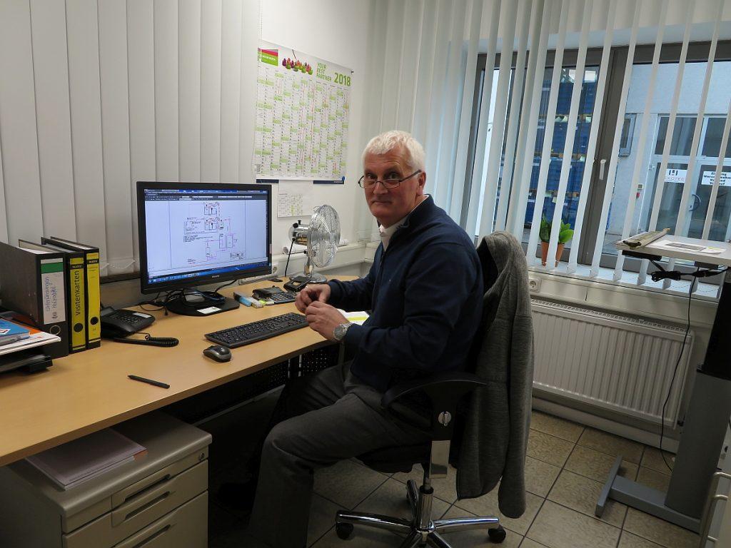 Janusz Trzpis, Leiter der Technischen Instandhaltung beim Beschichtungsunternehmen Holzapfel Group